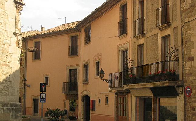 La Casa Museu Rafael Casanova s'ubica a la localitat on va néixer el polític català. Saps on?