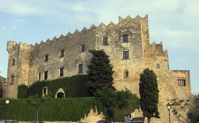 El castell d'Altafulla, originari del segle XI, actualment acull?