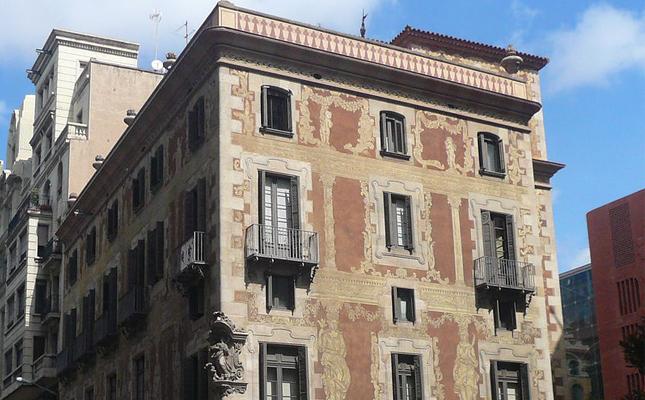 A quin gremi correspon l'única casa gremial que ofereix visites guiades de Barcelona?