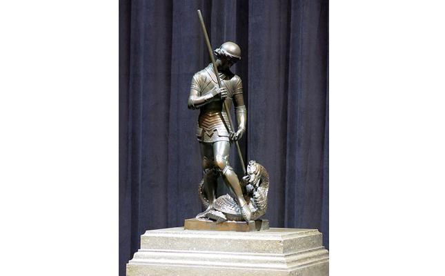 Qui és l'autor de l'escultura de Sant Jordi que trobem al Palau de la Generalitat?