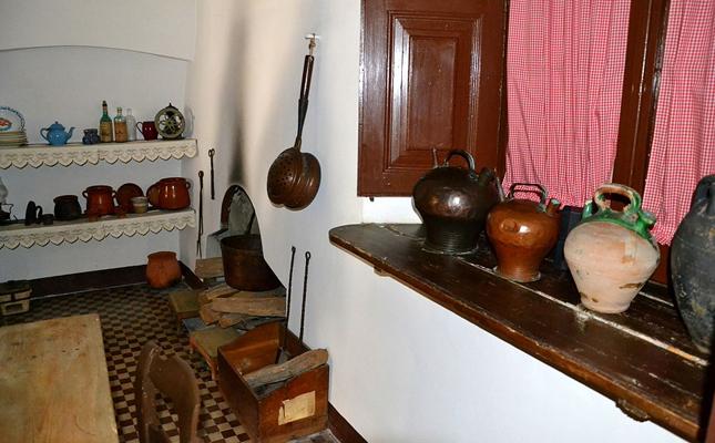 La Casa Museu Prat de la Riba es troba a...