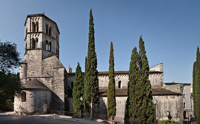 En quin antic monestir s'ubica la seu de Girona del Museu d'Arqueologia de Catalunya?